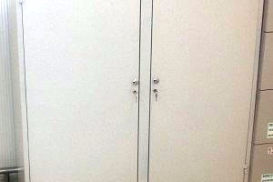 Metal  cabinet with two locking doors1450õ500õ1550
